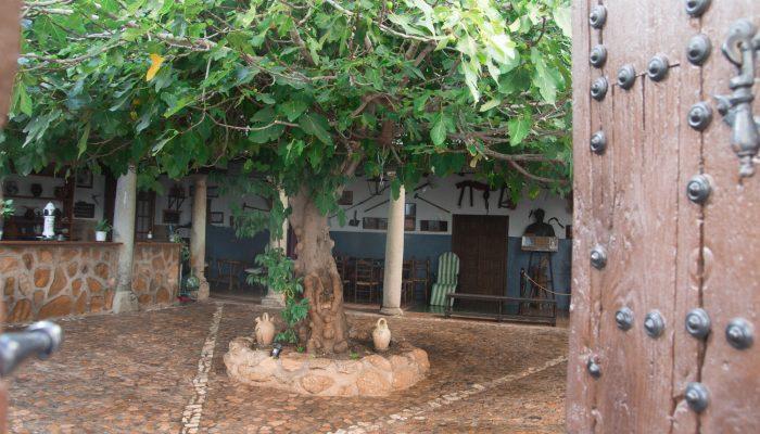 patio principal - La Venta de Agar-Z